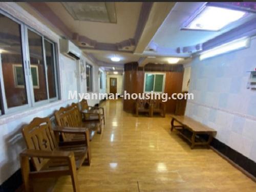 မြန်မာအိမ်ခြံမြေ - ငှားရန် property - No.4794 - ကျောက်မြောင်းထဲတွင် အလွှာနိမ့် အခန်းကောင်းတစ်ခန်း ငှားရန်ရှိသည်။living room view