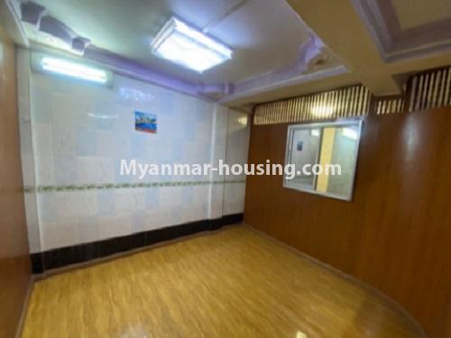 မြန်မာအိမ်ခြံမြေ - ငှားရန် property - No.4794 - ကျောက်မြောင်းထဲတွင် အလွှာနိမ့် အခန်းကောင်းတစ်ခန်း ငှားရန်ရှိသည်။bedroom view