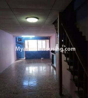 မြန်မာအိမ်ခြံမြေ - ငှားရန် property - No.4807 - သုံးလွှာနှင့် လေးလွှာ ဟောတိုက်ခန်း မြို့ထဲတွင် ငှားရန်ရှိသည်။another view of third floor hall