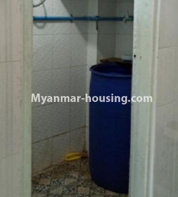 မြန်မာအိမ်ခြံမြေ - ငှားရန် property - No.4808 - Downtown တွင် အခန်း တစ်ခန်း ငှားရန်ရှိသည်။bathroom view