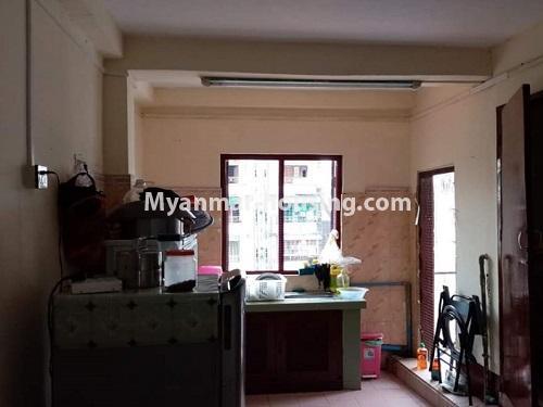 မြန်မာအိမ်ခြံမြေ - ငှားရန် property - No.4849 - ရန်ကုန် မြို့ထဲတွင် တိုက်ခန်းငှားရန် ရှိသည်။kitchen view
