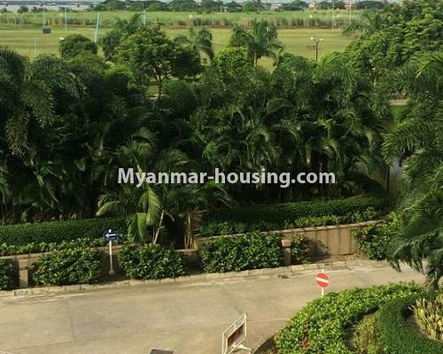 မြန်မာအိမ်ခြံမြေ - ငှားရန် property - No.4867 - Star City Condo တွင် အိပ်ခန်း သုံးခန်း ပါသည့် အခန်းကောင်း ငှားရန်ရှိသည်။view from bedroom