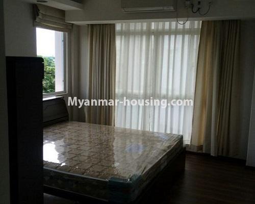 မြန်မာအိမ်ခြံမြေ - ငှားရန် property - No.4867 - Star City Condo တွင် အိပ်ခန်း သုံးခန်း ပါသည့် အခန်းကောင်း ငှားရန်ရှိသည်။bedroom view