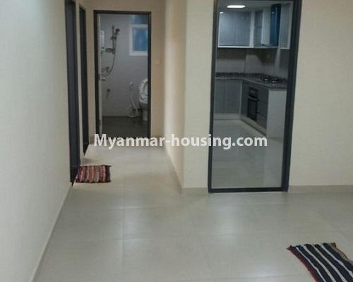 မြန်မာအိမ်ခြံမြေ - ငှားရန် property - No.4867 - Star City Condo တွင် အိပ်ခန်း သုံးခန်း ပါသည့် အခန်းကောင်း ငှားရန်ရှိသည်။common bathroom and kitchen view