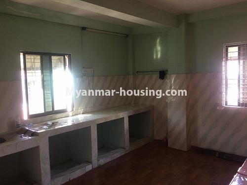 မြန်မာအိမ်ခြံမြေ - ငှားရန် property - No.4868 - ရန်ကင်း စင်တာအနီးတွင် ဒုတိယထပ် အိပ်ခန်းတစ်ခန်းပါသောအခန်း ငှားရန်ရှိသည်။kitchen view