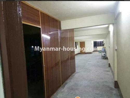မြန်မာအိမ်ခြံမြေ - ငှားရန် property - No.4874 - သိမ်ဖြူလမ်းမပေါ်တွင် ခုနှစ်လွှာတိုက်ခန်း ငှားရန်ရှိ်သည်။bedroom view
