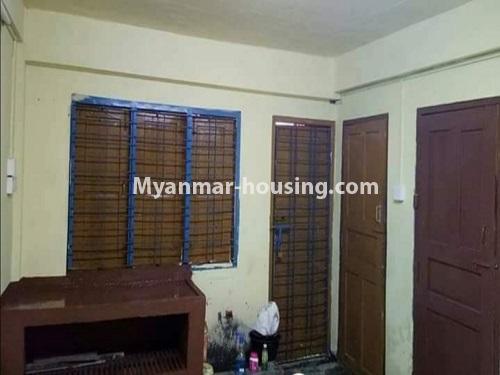 မြန်မာအိမ်ခြံမြေ - ငှားရန် property - No.4874 - သိမ်ဖြူလမ်းမပေါ်တွင် ခုနှစ်လွှာတိုက်ခန်း ငှားရန်ရှိ်သည်။kitchen view
