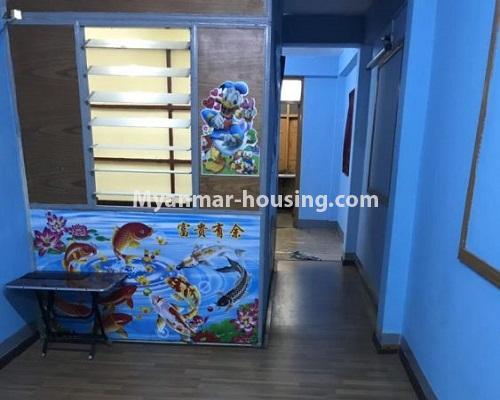 မြန်မာအိမ်ခြံမြေ - ငှားရန် property - No.4879 - 93 လမ်းထဲတွင် အခန်းသန့် တစ်ခန်း ငှားရန်ရှိသည်။anothr view of living room