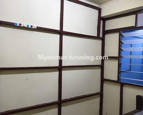 မြန်မာအိမ်ခြံမြေ - ငှားရန် property - No.4879 - 93 လမ်းထဲတွင် အခန်းသန့် တစ်ခန်း ငှားရန်ရှိသည်။another view of bedroom