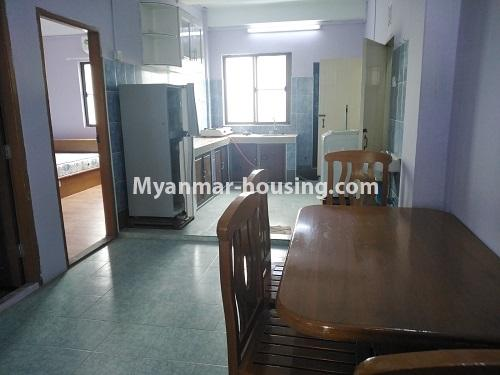 ミャンマー不動産 - 賃貸物件 - No.4886 - Yangon Downtown Furnished Condominium Room for Rent! - kitchen and dining area view