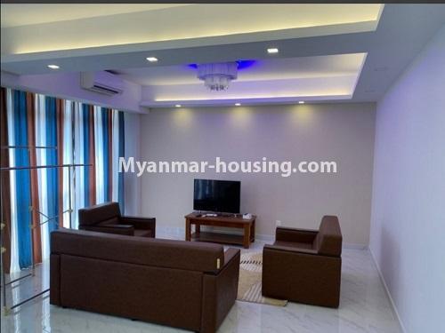မြန်မာအိမ်ခြံမြေ - ငှားရန် property - No.4888 - Star City Condo တွင် အိပ်ခန်း လေးခန်း ပါသည့် နှစ်လွှာပေါင်းအခန်းကောင်းတစ်ခန်း ငှားရန်ရှိသည်။living room view