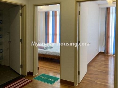 မြန်မာအိမ်ခြံမြေ - ငှားရန် property - No.4888 - Star City Condo တွင် အိပ်ခန်း လေးခန်း ပါသည့် နှစ်လွှာပေါင်းအခန်းကောင်းတစ်ခန်း ငှားရန်ရှိသည်။single bedrooms and common bathroom view