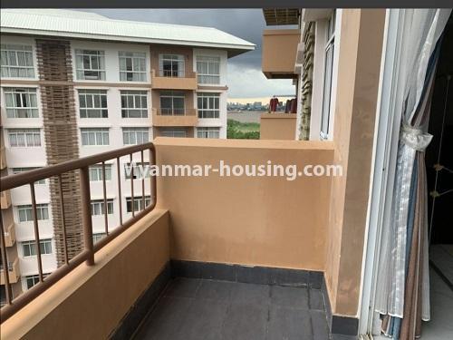 မြန်မာအိမ်ခြံမြေ - ငှားရန် property - No.4888 - Star City Condo တွင် အိပ်ခန်း လေးခန်း ပါသည့် နှစ်လွှာပေါင်းအခန်းကောင်းတစ်ခန်း ငှားရန်ရှိသည်။balcony view