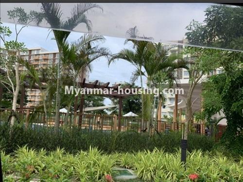 မြန်မာအိမ်ခြံမြေ - ငှားရန် property - No.4888 - Star City Condo တွင် အိပ်ခန်း လေးခန်း ပါသည့် နှစ်လွှာပေါင်းအခန်းကောင်းတစ်ခန်း ငှားရန်ရှိသည်။outside view from balcony
