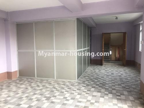 မြန်မာအိမ်ခြံမြေ - ငှားရန် property - No.4900 - လှိုင်မြို့နယ်တွင် အိပ်ခန်းတစ်ခန်းပါသော တိုက်ခန်းငှားရန်ရှိသည်။another view of living room