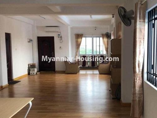 မြန်မာအိမ်ခြံမြေ - ငှားရန် property - No.4901 - ပွငျဆငျပွီး တိုကျသဈတဈခနျး တောငျဥက်ကလာတှငျ ငှားရနျရှိသညျ။living room view