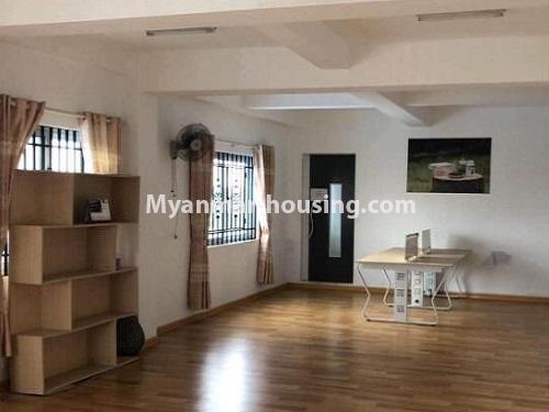 မြန်မာအိမ်ခြံမြေ - ငှားရန် property - No.4901 - ပွငျဆငျပွီး တိုကျသဈတဈခနျး တောငျဥက်ကလာတှငျ ငှားရနျရှိသညျ။another view of living room
