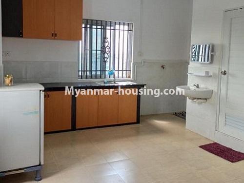 မြန်မာအိမ်ခြံမြေ - ငှားရန် property - No.4901 - ပွငျဆငျပွီး တိုကျသဈတဈခနျး တောငျဥက်ကလာတှငျ ငှားရနျရှိသညျ။kitchen view