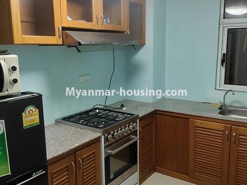 မြန်မာအိမ်ခြံမြေ - ငှားရန် property - No.4911 - သန်လျင် သီလဝါစက်မှုဇုံအနီး Star City Condo တွင် အိပ်ခန်း တစ်ခန်း ပါသည့် အခန်းကောင်း ငှားရန်ရှိသည်။kitchen view
