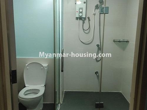 မြန်မာအိမ်ခြံမြေ - ငှားရန် property - No.4911 - သန်လျင် သီလဝါစက်မှုဇုံအနီး Star City Condo တွင် အိပ်ခန်း တစ်ခန်း ပါသည့် အခန်းကောင်း ငှားရန်ရှိသည်။bathroom view