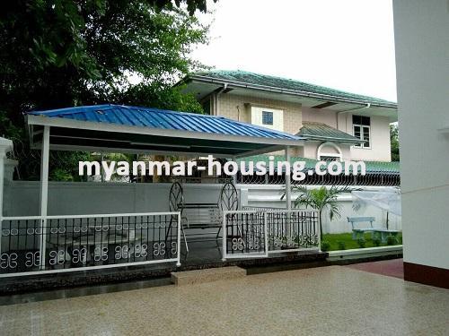 မြန်မာအိမ်ခြံမြေ - ရောင်းမည် property - No.2974 - ခြံ၀န်းကျယ်ပြီး မြက်ခင်းပါ လုံးချင်းနေလိုသူများအတွက် လုံးချင်း(၂)ထပ်ရောင်းရန်ရှိသည်။ -