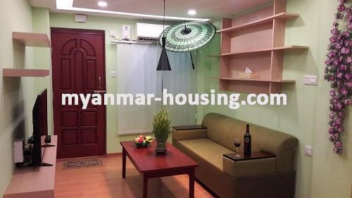 မြန်မာအိမ်ခြံမြေ - ရောင်းမည် property - No.3023 - အခန်းကောင်းတစ်ခန်းကျောက်တံတားတွင်ရောင်းရန်ရှိသည်။ - View of the living room.