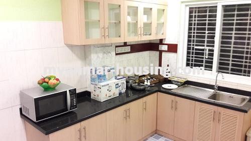 မြန်မာအိမ်ခြံမြေ - ရောင်းမည် property - No.3023 - အခန်းကောင်းတစ်ခန်းကျောက်တံတားတွင်ရောင်းရန်ရှိသည်။ - View of the kitchen room.