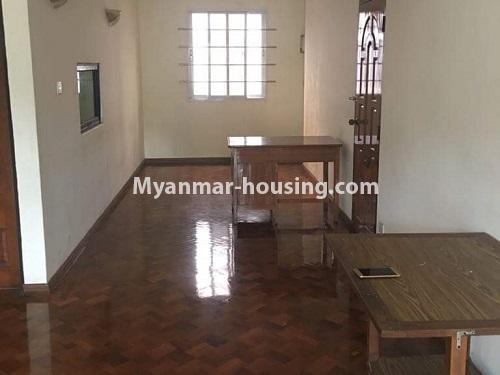 မြန်မာအိမ်ခြံမြေ - ရောင်းမည် property - No.3118 - FMI ထဲတွင် နေရာအချက်အချာကောင်းသည့် နေရာတွင် လုံးချင်းတစ်လုံး ရောင်းရန်ရှိသည်။ - upstairs