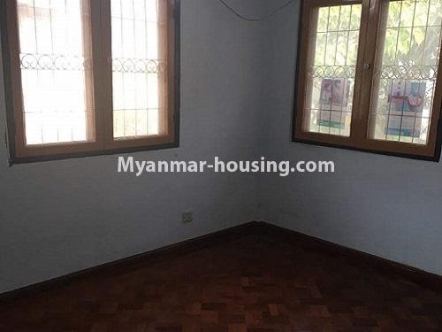 မြန်မာအိမ်ခြံမြေ - ရောင်းမည် property - No.3118 - FMI ထဲတွင် နေရာအချက်အချာကောင်းသည့် နေရာတွင် လုံးချင်းတစ်လုံး ရောင်းရန်ရှိသည်။ - bathroom