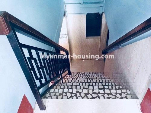 မြန်မာအိမ်ခြံမြေ - ရောင်းမည် property - No.3132 - လှိုင်သာယာ န၀ဒေး ဥယျာဉ်အိမ်ယာ အပြင်ဘက်တွင် ဧည့်ရိပ်သာတစ်လုံး ရောင်းရန်ရှိသည်။ - stairs