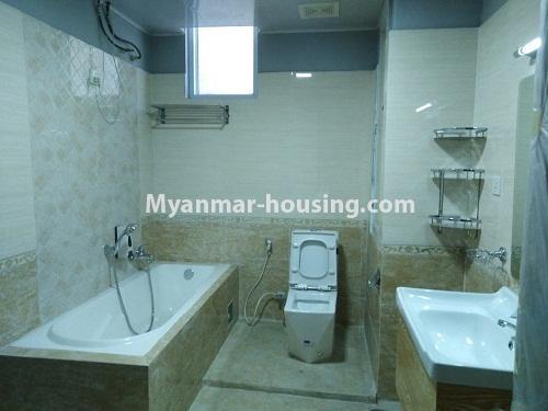 မြန်မာအိမ်ခြံမြေ - ရောင်းမည် property - No.3154 - ပုဇွန်တောင်တွင် ကွန်ဒိုခန်း ရောင်းရန်ရှိသည်။ - bathroom