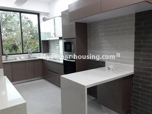 မြန်မာအိမ်ခြံမြေ - ရောင်းမည် property - No.3173 - လှိုင်မြို့နယ် လမင်း Luxury Condo တွင် ပြင်ဆင်ပြီး အခန်းတစ်ခန်း ရောင်းရန်ရှိသည်။ - kitchen view