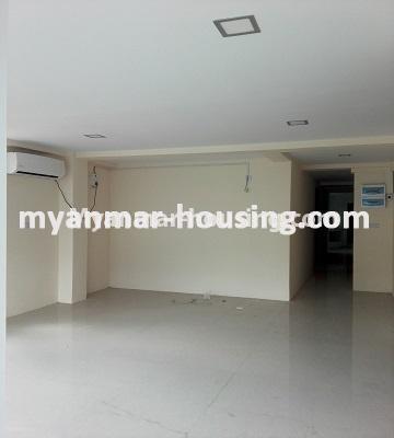 မြန်မာအိမ်ခြံမြေ - ရောင်းမည် property - No.3176 - တာမွေ Ocean အနီးတွင်ကွန်ဒိုတိုက်သစ်တစ်ခန်းငှားရန်ရှိသည်။ - another view of living room