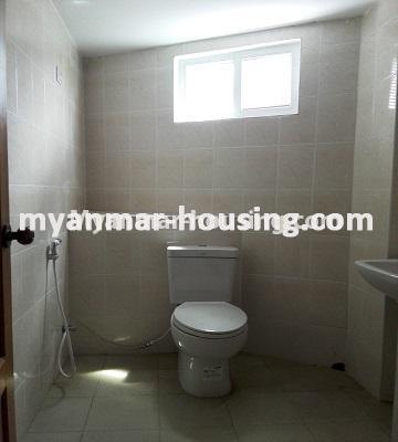 မြန်မာအိမ်ခြံမြေ - ရောင်းမည် property - No.3176 - တာမွေ Ocean အနီးတွင်ကွန်ဒိုတိုက်သစ်တစ်ခန်းငှားရန်ရှိသည်။ - compound bathroom