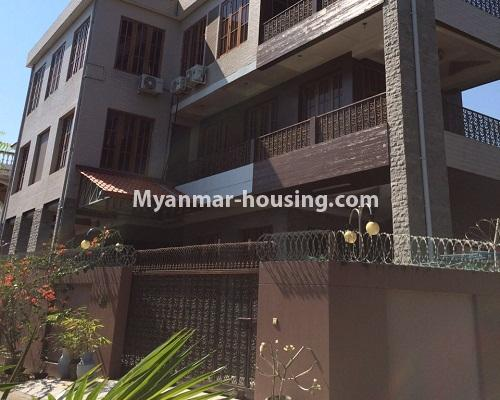 မြန်မာအိမ်ခြံမြေ - ရောင်းမည် property - No.3215 - သာကေတတွင် လုံးချင်းရောင်းရန် ရှိသည်။ - house