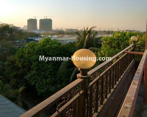 မြန်မာအိမ်ခြံမြေ - ရောင်းမည် property - No.3215 - သာကေတတွင် လုံးချင်းရောင်းရန် ရှိသည်။ - view from balcony