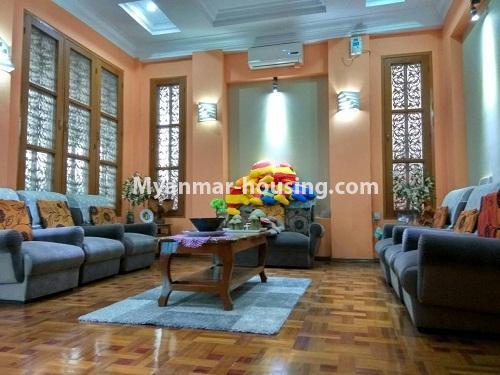 မြန်မာအိမ်ခြံမြေ - ရောင်းမည် property - No.3215 - သာကေတတွင် လုံးချင်းရောင်းရန် ရှိသည်။ - living room