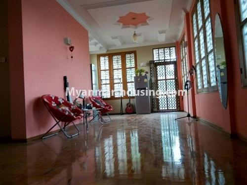 မြန်မာအိမ်ခြံမြေ - ရောင်းမည် property - No.3215 - သာကေတတွင် လုံးချင်းရောင်းရန် ရှိသည်။ - extra space in first floor