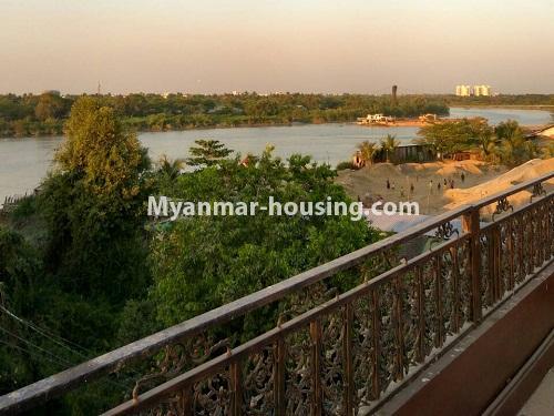 မြန်မာအိမ်ခြံမြေ - ရောင်းမည် property - No.3215 - သာကေတတွင် လုံးချင်းရောင်းရန် ရှိသည်။ - river view from balcony