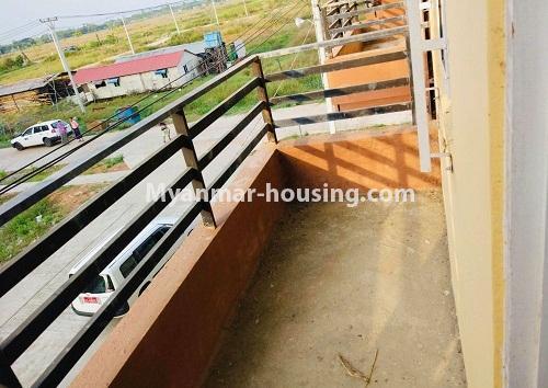 မြန်မာအိမ်ခြံမြေ - ရောင်းမည် property - No.3229 - တောင်ဒဂုံတွင် တိုက်ခန်းသစ် ငှားရန်ရှိသည်။ - balcony