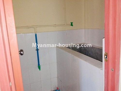 မြန်မာအိမ်ခြံမြေ - ရောင်းမည် property - No.3229 - တောင်ဒဂုံတွင် တိုက်ခန်းသစ် ငှားရန်ရှိသည်။ - bathroom