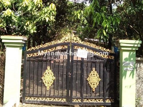 မြန်မာအိမ်ခြံမြေ - ရောင်းမည် property - No.3256 - မင်္ဂလာဒုံတွင် လုံးချင်းရောင်းရန်ရှိသည်။  - main gate