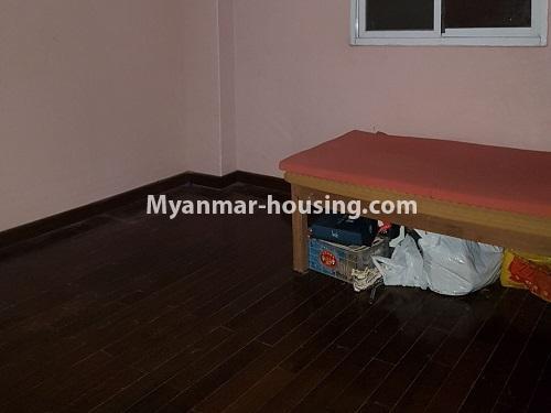 မြန်မာအိမ်ခြံမြေ - ရောင်းမည် property - No.3284 - ရေကျော်ဈေး အနီးတွင် တိုက်ခန်းကျယ်တစ်ခန်း ရောင်းရန်ရှိသည်။ - single bedroom 2