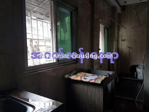 မြန်မာအိမ်ခြံမြေ - ရောင်းမည် property - No.3284 - ရေကျော်ဈေး အနီးတွင် တိုက်ခန်းကျယ်တစ်ခန်း ရောင်းရန်ရှိသည်။ - washing machine area