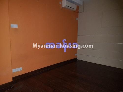 မြန်မာအိမ်ခြံမြေ - ရောင်းမည် property - No.3284 - ရေကျော်ဈေး အနီးတွင် တိုက်ခန်းကျယ်တစ်ခန်း ရောင်းရန်ရှိသည်။ - study room