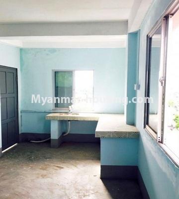 မြန်မာအိမ်ခြံမြေ - ရောင်းမည် property - No.3287 - သင်္ဃန်းကျွန်းတွင် တိုက်ခန်းသစ် ရောင်းရန်ရှိသည်။ - kitchen