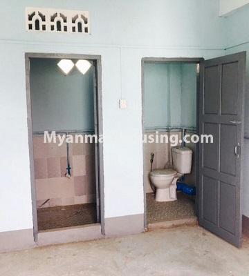 မြန်မာအိမ်ခြံမြေ - ရောင်းမည် property - No.3287 - သင်္ဃန်းကျွန်းတွင် တိုက်ခန်းသစ် ရောင်းရန်ရှိသည်။ - toilet and bathroom