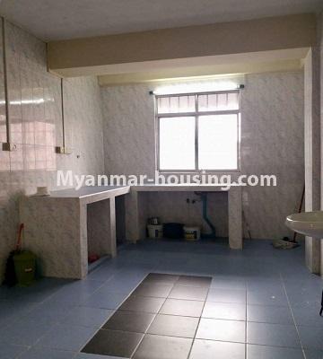 မြန်မာအိမ်ခြံမြေ - ရောင်းမည် property - No.3311 - မြို့ထဲတွင် ကွန်ဒိုခန်း ရောင်းရန်ရှိသည်။ - Kitchen