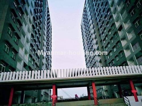 မြန်မာအိမ်ခြံမြေ - ရောင်းမည် property - No.3324 - ဒဂုံဆိပ်ကမ်း ဧရာချမ်းသာ ကွန်ဒိုတွင် အခန်းရောင်းရန် ရှိသည်။ - building view