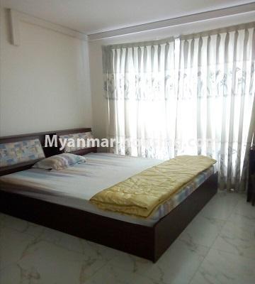 မြန်မာအိမ်ခြံမြေ - ရောင်းမည် property - No.3331 - သန်လျင်တွင် ပြင်ဆင်ပြီး ပရိဘောဂပါသော အိပ်ခန်းတစ်ခန်းပါသော ကွန်ဒိုခန်း ရောင်းရန်ရှိသည်။ - bedroom view